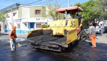 La Municipalidad de La Rioja a través de la dirección de Conservación Vial llevó a cabo obra de re asfaltado.